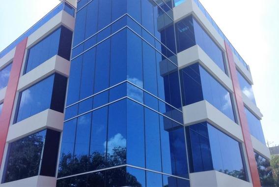 En Alquiler Local Para Oficina En Torre Empresarial En Julieta Morales 64m2