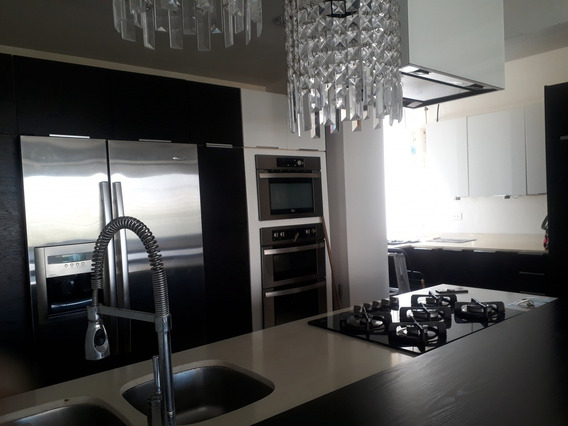 29953 Apartamento Alquiler Av. El Milagro Maracaibo