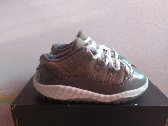 Air Jordan Retro 11 Low Gris 15cm