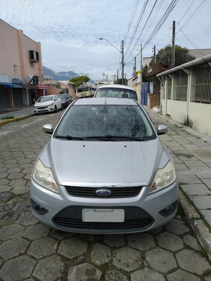 Ford Focus 2.0 Sedan - 2010/2011 Ghia