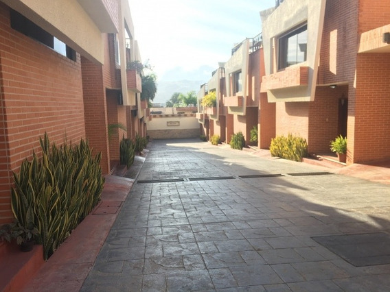 Townhouse En Venta Mañongo 320m2 Piedra Pintada