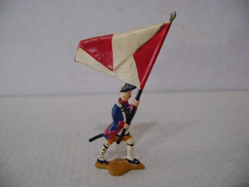 Imagen 1 de 6 de Nico Un Abanderado Marchando Soldados De Plomo (pmv 36c)