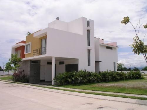 Casa En Venta, Fraccionamiento Ikal