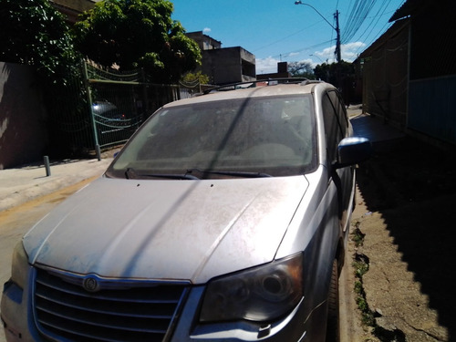 Chrysler Town & Country Limeted