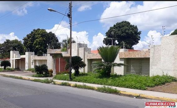 Casa-quinta Con Local Comercial En Cagua Urb. Corinsa