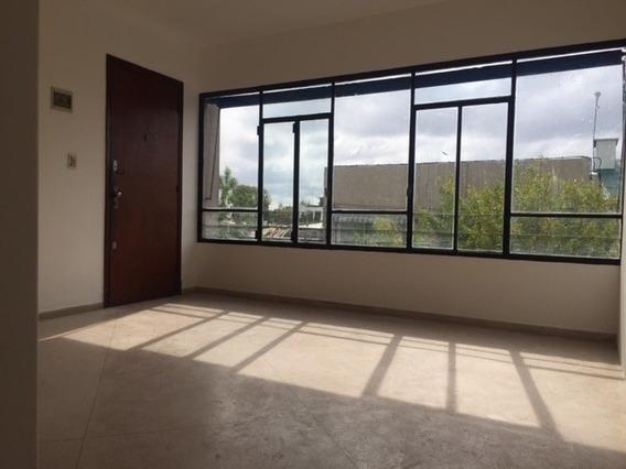 Se Alquila Apartamento En Zona De Aguada