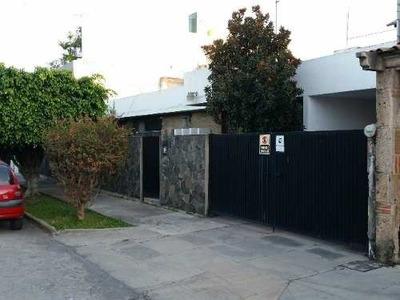 Casa En Venta En Ladrón De Guevara Guadalajara