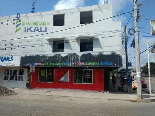 Renta Local Comercial Col. Ruiz Cortines Tuxpan Veracruz. Ubicado En La Calle Cuauhtemoc Esquina Diaz Mirón. Cuenta Con 160 M² Son 16 Metros De Frente Por 10 Metros De Fondo, Consta De 3 Medios Baños