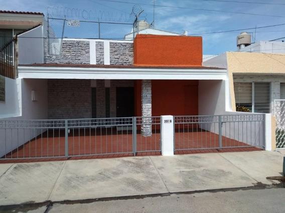 Casa Renta En La Calma.