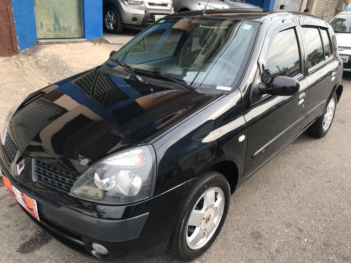 Renault - Clio Privilege 1.0 - 2004