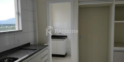Apto 2 Dormitórios Sendo 1 Suíte - Em Porto Belo - 1004