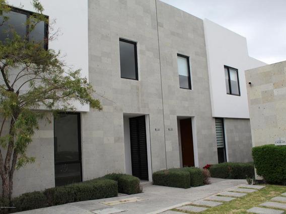 Casa En Venta En El Refugio, Queretaro, Rah-mx-21-935