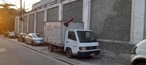 Imagem 1 de 5 de Mercedes Mb 180 D