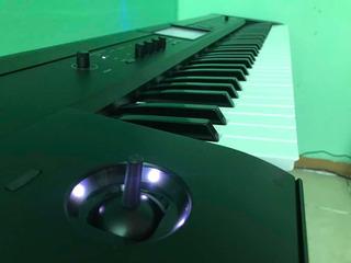 Sintetizador Korg Krome 73 Teclas Piano Como Nuevo