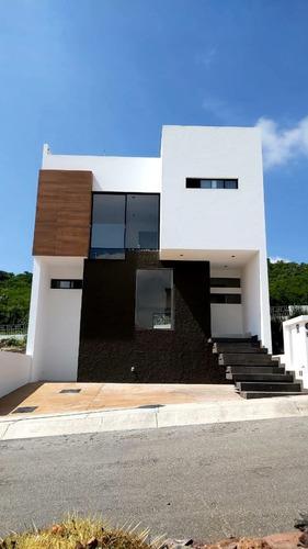 Imagen 1 de 17 de Preciosa Residencia En Zibatá, 4 Recamaras Con Baño, Roof Ga
