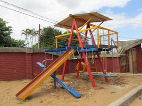 Playground Em Madeira Com 12 Brinquedos