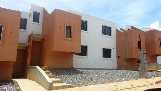 Casa En Venta La Mora Rahco