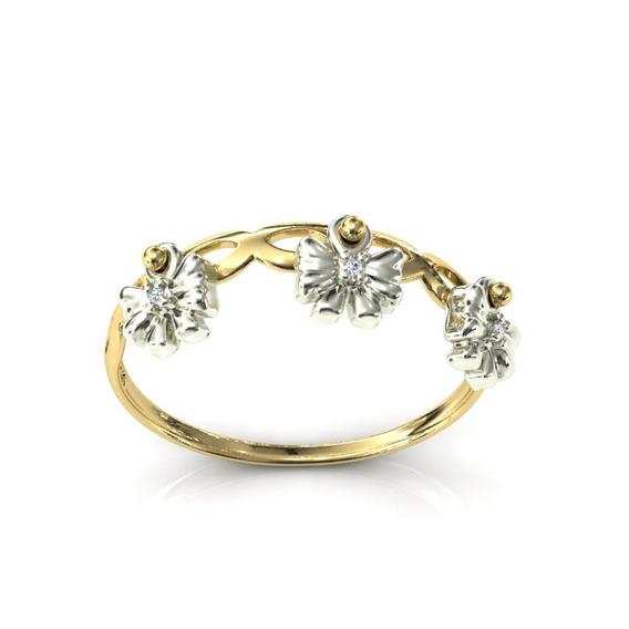 Anel 18k Vazado Pingentes Laço Pedras Diamantes - Cor Ouro