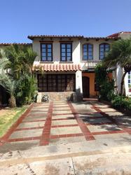 Townhouse En Venta En Paraíso