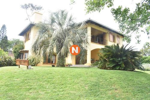 Casa A La Venta En Punta Del Este, Zona Paradas- Ref: 214367