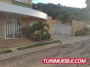 Townhouse En Venta El Parral Valencia 19-2568 Gz