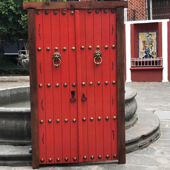 Puerta Madera Naranja Clavos De Bronce Antigua Exterior