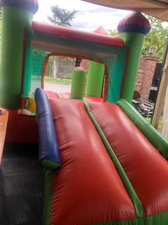 Vendo Castillo Inflable Multicolor Con Tobogán