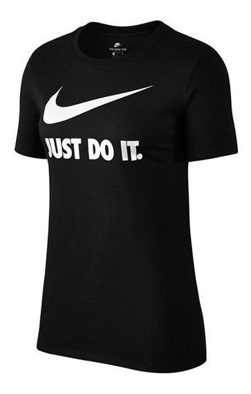 Camiseta Feminina Nike Active Preta - 940710-010