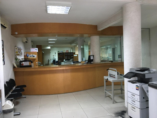 Venta Centro Local Oficinas Casa Depósito Permuta Terreno