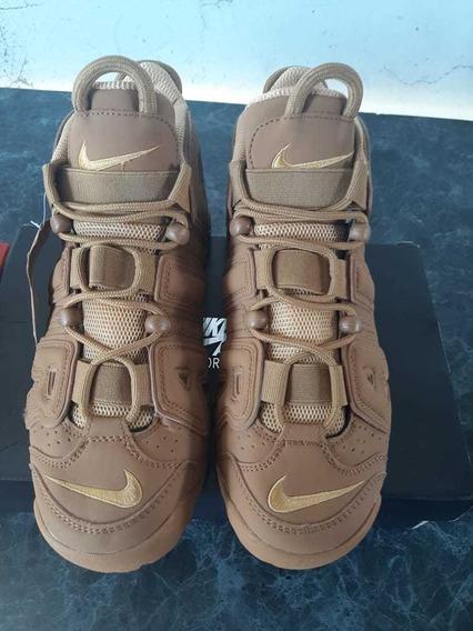 Zapatillas Uptempo Nike Marrón