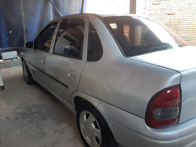 Chevrolet Corsa Sedan 1.6 Super 4p 2001