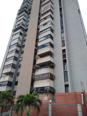 Apartamento En Venta Urb Andres Bello 04149436977