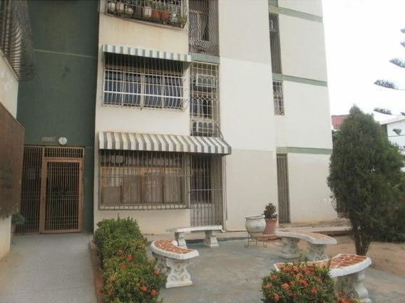 Apartamentos En Alquiler Varillal 20-1208 Andrea Rubio