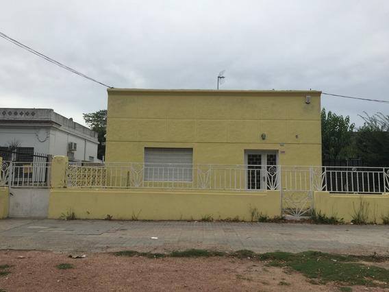 Casa Frente Al Colegio Pío Reciclada