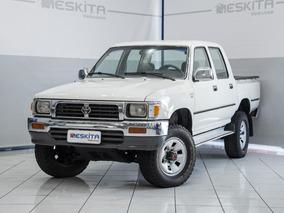 Toyota Hilux 2.8 Sr5 4x4 Cd 8v Diesel 4p Manual