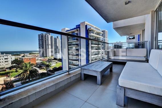 Venta De Apartamento, 2 Dormitorios, Playa Brava