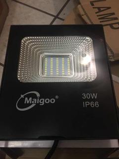 Reflector Led De 30 Watts. Iluminación. Ip66