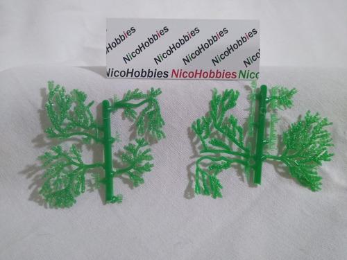 Imagen 1 de 4 de Nico 2 Planchas De Enredaderas P/casas Atlas ? H0 (edh 161)