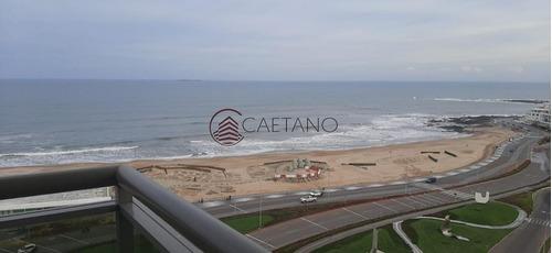Apartamento En Peninsula - Punta Del Este- Ref: 2343