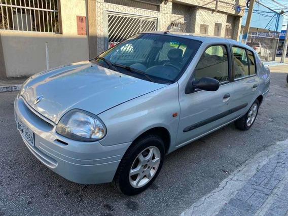 Renault Clio Sedan 2002 1.0 16v Rn 4p Com Ar Condicionado