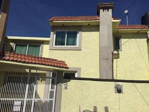 Calacoaya: Comoda Casa En Calle Privada