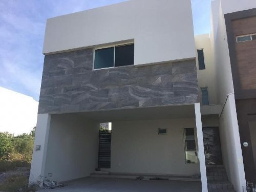 Casa Sola En Venta En Cumbres Elite Premier, García, Nuevo León