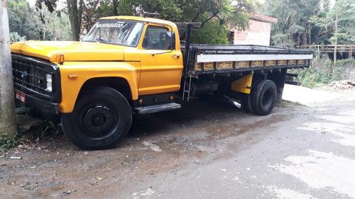 Imagem 1 de 5 de Caminhão Ford F7000