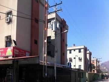 Apartamento En Venta En Villa Tarento, Guacara, 19-60013