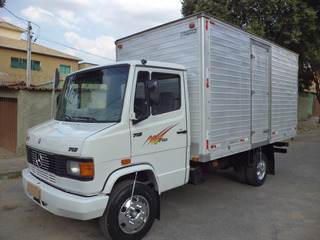 Camnhão Mb 710 Plus 2003/2003 Bau