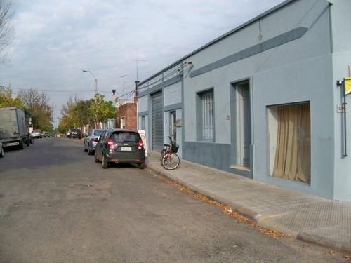Imagen 1 de 5 de Locales, Casas, Galpones Venta Carmelo
