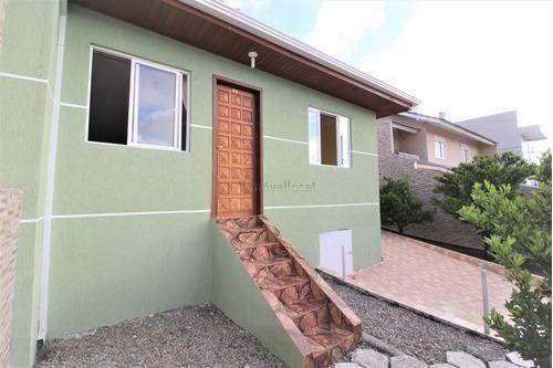Sobrado Com 4 Dormitórios À Venda Com 227m² Por R$ 650.000,00 No Bairro Tingui - Curitiba / Pr - So00190