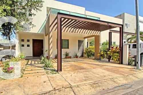 Casa En Renta En Cancun En Residencial Palmaris De 3 Rec