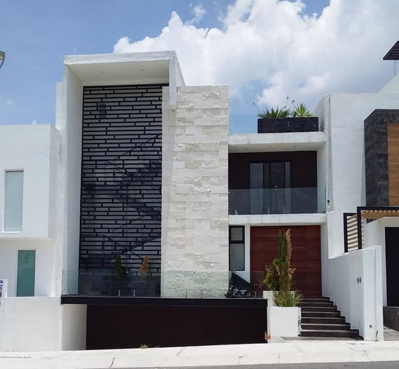 Casa En Venta En Zibata, El Marques, Rah-mx-20-3084