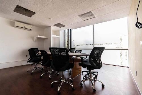 Oficina De 1079 M2, Lista Para Utilizar, Lomas Hermosa.